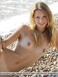 A fun, carefree jaunt by the beach with a cheerful, uninhibited and youthful cutie.
