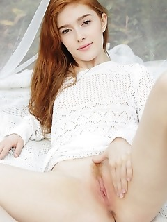 Jia lissa alluring jia lissa flaunts her creamy body and pink pussy.