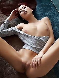 Paula shy paula shy spreads her legs wide open as she displays her lusty cunt.